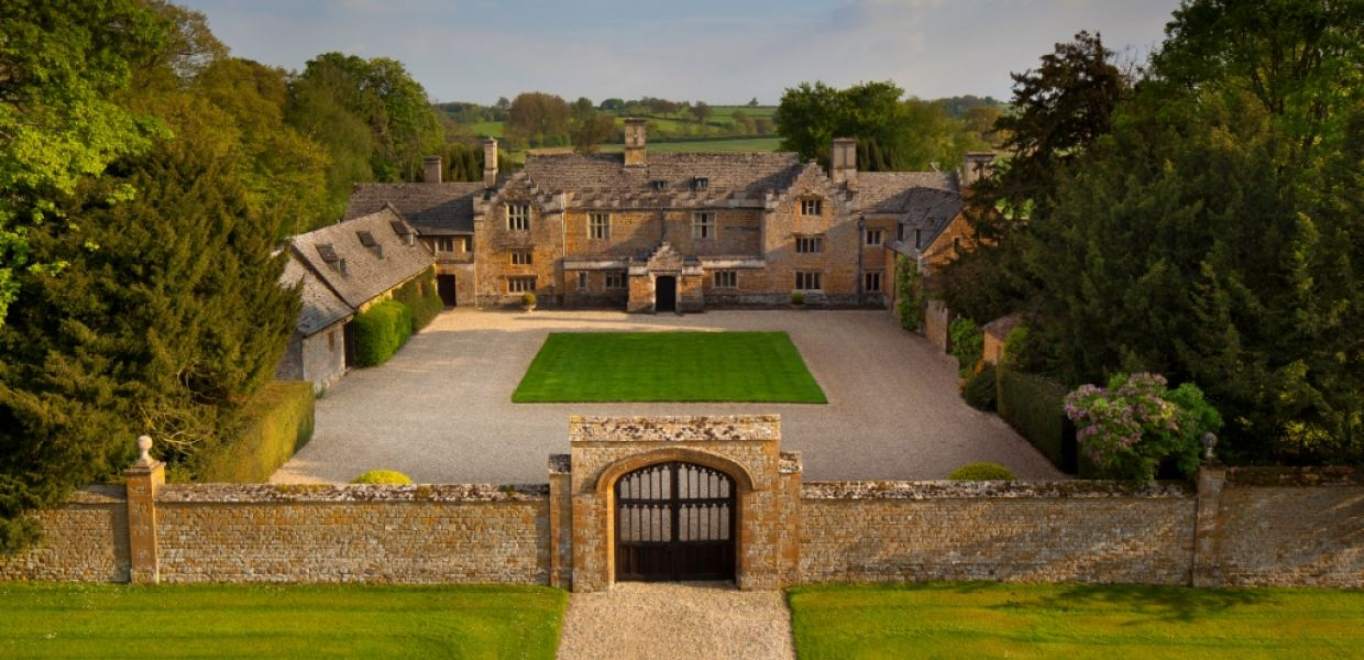 Country Houses  Estates For Sale Strutt  Parker - Country house uk